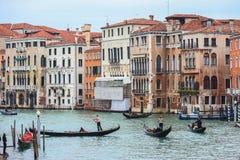 Канал воды с гондолами в Венеции Стоковое Фото