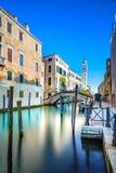 Канал воды Greci dei Венеции Сан Giorgio и колокольня церков. Италия Стоковые Изображения