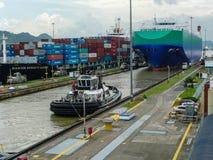 канал выходя корабль Панамы Стоковые Изображения RF