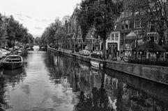 Канал в Амстердаме, Нидерландах Стоковая Фотография