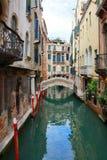 Канал и мост в Венеции Стоковое Фото