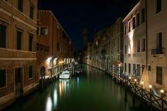 Канал ночи в Венецию Стоковые Фото