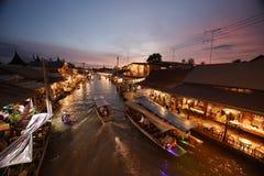 Канал рынка Amphawa, самая известная плавая рынка Стоковое фото RF