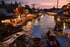 Канал рынка Amphawa, самая известная плавая рынка Стоковая Фотография RF