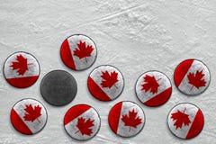Канадские шайбы хоккея стоковые фотографии rf