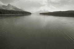 Канадский ландшафт с озером Maligne яшма альбатроса стоковые изображения
