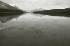 Канадский ландшафт с озером Maligne яшма альбатроса стоковые изображения rf