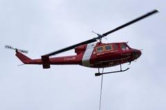 Канадский вертолет колокола 212 службы береговой охраны - рыбозаводы и океаны Стоковые Изображения