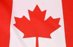 Канадский красный цвет и флаг парламентера кленового листа Стоковое фото RF