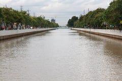 Канал сырой воды (Klong Prapa) Стоковые Изображения