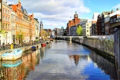 канал amsterdam стоковая фотография
