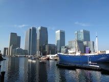 канереечный причал london s docklands стоковое изображение rf