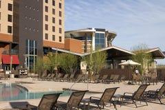 каникула курорта poolside гостиницы пустыни самомоднейшая стоковые фотографии rf