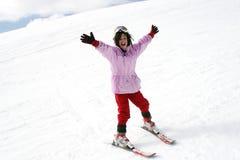 каникула подростка лыжи девушки Стоковая Фотография