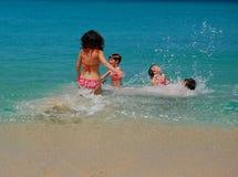 каникула семьи пляжа стоковые изображения rf