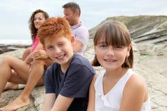 каникула семьи пляжа стоковые изображения