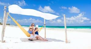 каникула семьи пляжа стоковая фотография rf