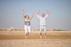 каникула старшия пар Стоковая Фотография