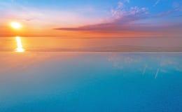 Каникулы водного бассейна с восходом солнца Стоковые Фотографии RF