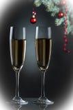 Каннелюры шампанского в установке праздника. Стоковые Изображения RF
