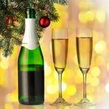 Каннелюры шампанского в установке праздника. Стоковое фото RF