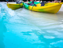 Каное на пляже делают отключение к кальмару моря Стоковая Фотография RF