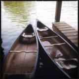 2 каное на пристани в воде Стоковое фото RF