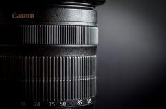 Канон EF-S 18-135mm STM 3 5-5 lense 6 сигналов Стоковая Фотография RF