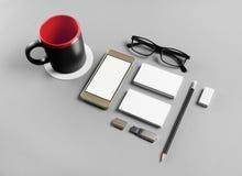 Канцелярские принадлежности и smartphone Стоковое Изображение RF