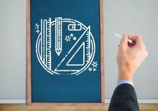 Канцелярские принадлежности чертежей руки на классн классном Стоковое Изображение