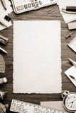 Канцелярские товары и постаретая бумага Стоковые Фотографии RF