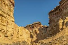 Каньоны в пустыне Namibe С солнцем вышесказанного anisette стоковые изображения rf