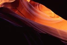 каньон антилопы смотря вверх стоковая фотография