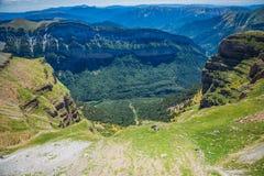 Каньон в национальном парке Ordesa, Пиренеи, Уэске, Арагоне, Испании стоковое изображение rf