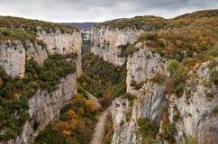 Каньон в осени, Испания Arbayun Стоковое фото RF