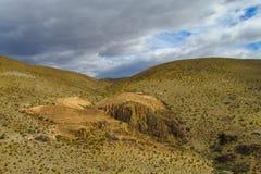 Каньон между холмами стоковые фото