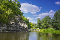 Каньон на реке Gorny Tikich Стоковые Фотографии RF
