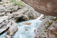 Каньон реки Belaya в западном Кавказе стоковое фото