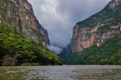 Каньон Sumidero, Мексики стоковая фотография