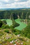 Каньон Uvac, сила природы и сила реки стоковое изображение