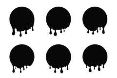 Капая краска, жидкостные пятна Масло или падения и splatters краски Черный круглый силуэт расплавленного и накапанного шоколада бесплатная иллюстрация