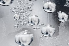 Капельки воды на стеклянной предпосылке Стоковое Изображение