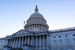 Капитолий США на сумраке Стоковые Фотографии RF