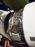 Капот двигателя авиационного двигателя раскрыл показывать блоки контроля двигателя, FADEC и другие блоки Стоковое Изображение RF