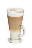 Капучино в высокорослой чашке с пеной молока Стоковое Изображение