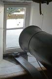 Карамболь в окне/порте на ратнике HMS Стоковые Изображения