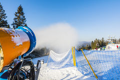 Карамболь снега во время деятельности Стоковые Изображения