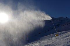 Карамболь снега делая снег Стоковое Изображение