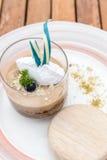 Карамелька десерта крошит заварной крем стоковое фото rf