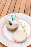 Карамелька десерта крошит заварной крем стоковое изображение rf